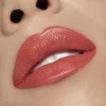puroBIO-Lipstick-104-ROSA-PESCA-su-pelle-chiara
